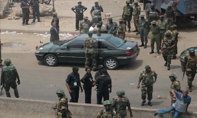 soldiers shoot policemen festac lagos