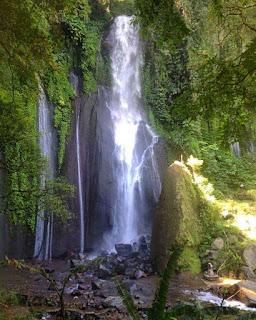Tempat Wisata Air Terjun Lembah Jian Buleleng Bali