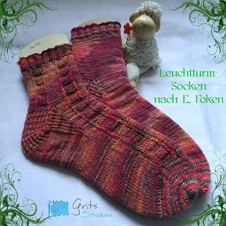 In diesem Blogpost beschreibe ich, warum, wie und woraus ich diese schicken Socken gestrickt habe: https://grits-strickerei.blogspot.de/2018/03/leuchttum-socken-fur-muddern.html