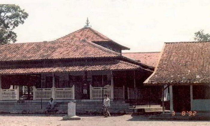 Melacak Rekam Jejek Pesantren di Nusantara 1