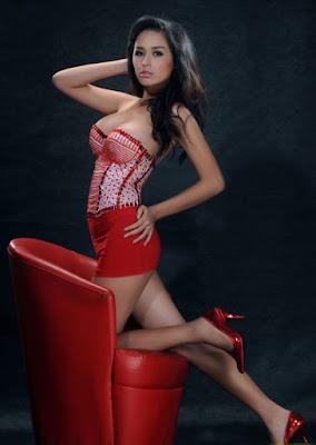 Mai Phuong Thuy payudara besar