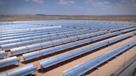 Physique jo centrale solaire for Miroir parabolique solaire
