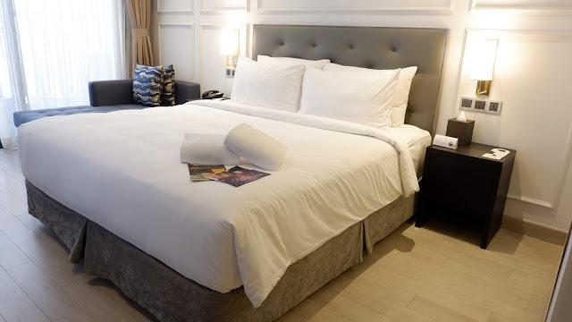 danang golden bay hotel deluxe room