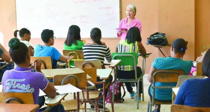 Profesores de la UASD dejan a más de 185 mil estudiantes sin docencia