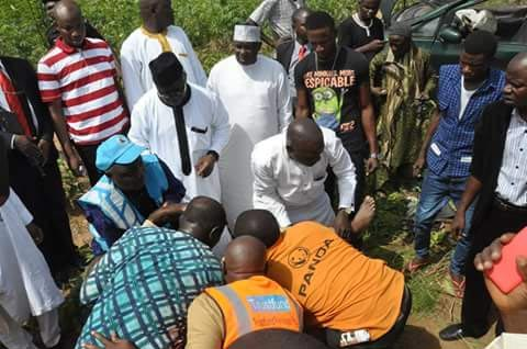 Photos: Governor UmaruTanko Al-Makura Rescues 5 Accident Victims In Nassarawa