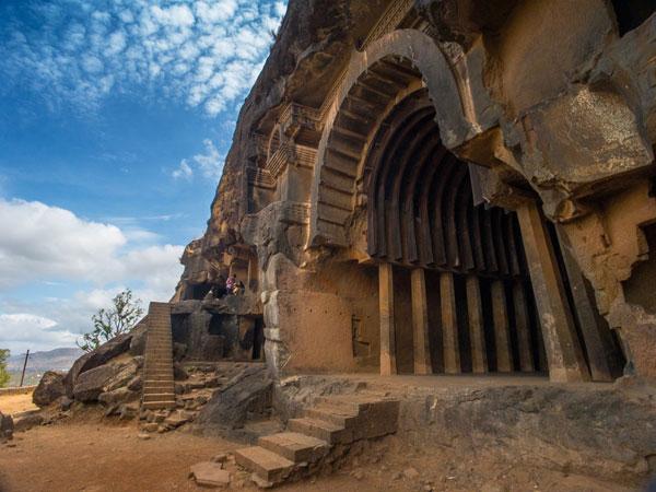 bhaje buddhist caves