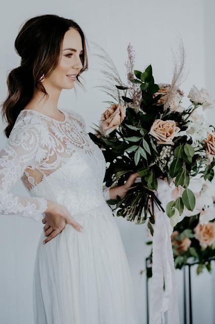 QUEENSLAND BOHEMIAN WEDDING GOWNS DRESSES BRIDAL DESIGNER IVY ROAD PHOTOGRAPHY