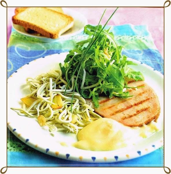 Gulas con pavo y ensalada verde
