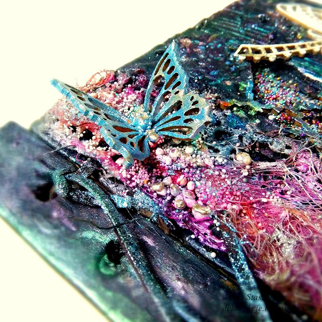 motyl mixed media