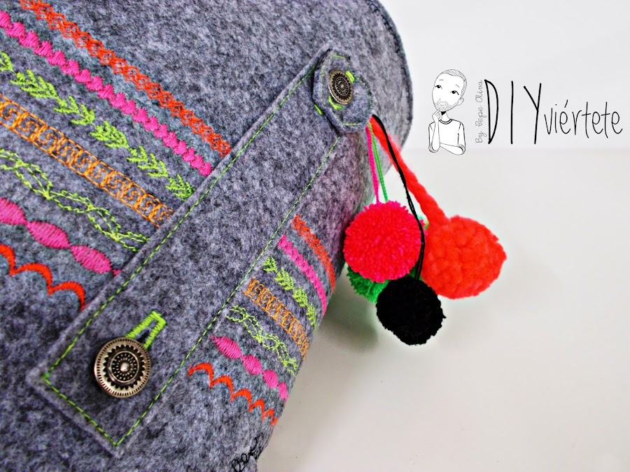 DIY-bolso-cartera-clutch-fieltro-fluor-pompones-puntadas-alfa-historiashiladas-costura-diseño-handbox-3
