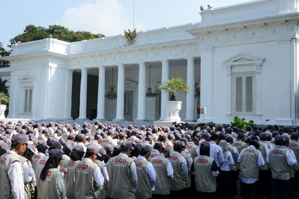 6.296 Guru Garis Depan Akan Diangkat Jadi PNS