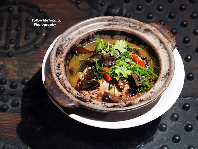 Braised Spring Chicken Stuffed With Glutinous Rice, Garlic, Ginger & Straw Mushrooms