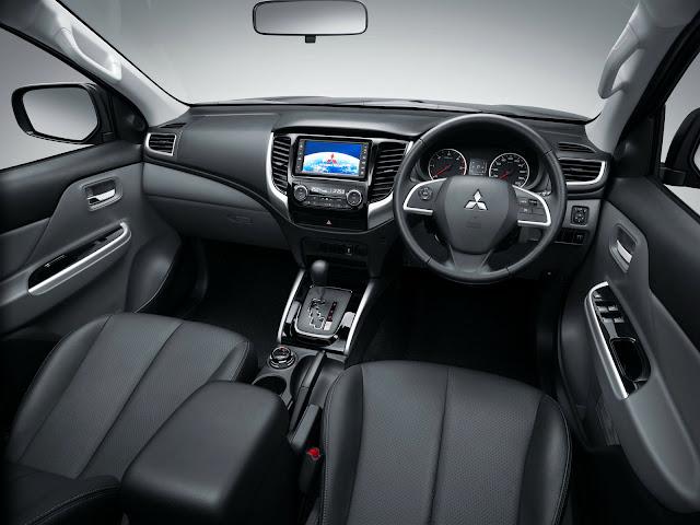 L200 Triton 2017 Interior