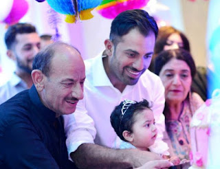 Wahab Riaz, Biography, Profile, Age, Biodata, Family , Wife, Son, Daughter, Father, Mother, Children, Marriage Photos.