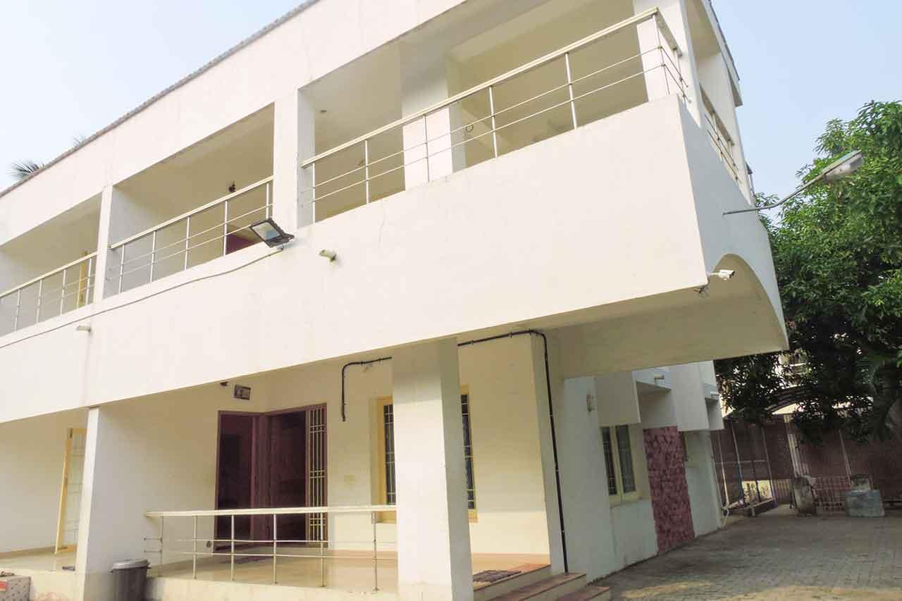 sri garden beach house for family stays