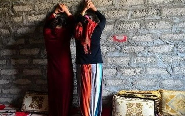 ΑΙΣΧΟΣ!! Τούρκοι στρατιώτες και τζιχαντιστές άρπαξαν κορίτσια της Εφρίν και τα βιaζ@υν σε σπίτια