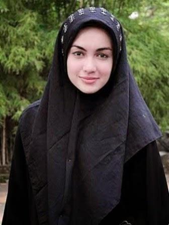 jilbab corak hitam