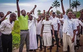 A PESAR DE LA PERSECUSION Y EL ÉBOLA EL CRISTIANISMO A AUMENTADO EN SIERRA LEONA