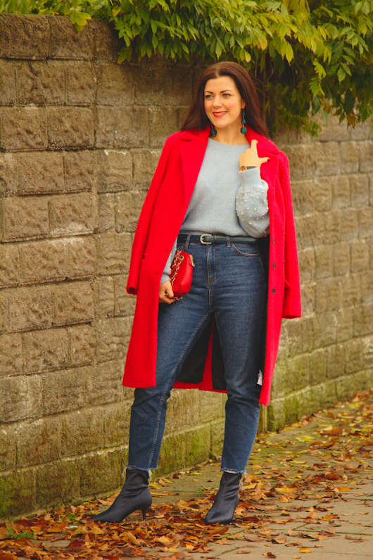 Baby Blue and Red: A great colour combination to try