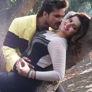 Madhu Sharma and khesari Lal Romantic photo