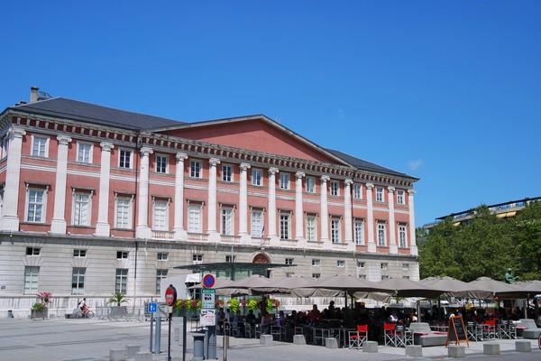 chambéry savoie vieille ville palais justice
