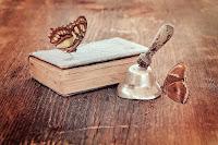 Teil 3: Fraeulein M. liebt Bücher