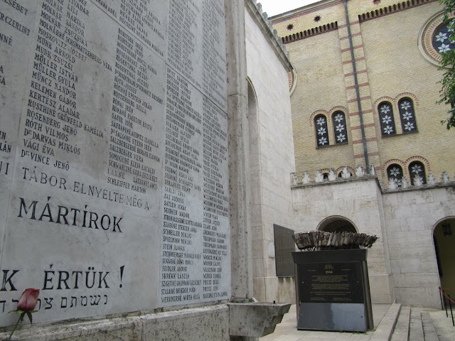 sinagoga de Budapest, cementerios judíos, homenaje a judíos de la Segunda guerra mundial, guetto de Budapest