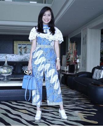 92 Model Baju Batik Kombinasi Brokat Kain Polos Modern