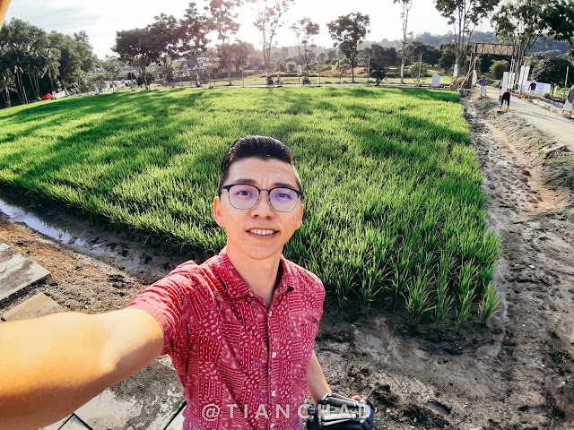 Selfie in MAEPS SERDANG Photo captured using Samsung Galaxy A7 (2018) Ultra Wide Angle camera