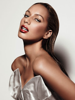 Leona Lewis with Tragus Piercing