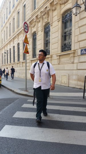 This Lucky Student Got to Spend His 'Vacant' Time in France. See His Hilarious Photos Here!