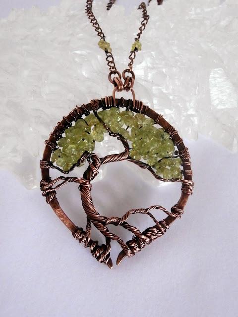 wisior koralikowe drzewko