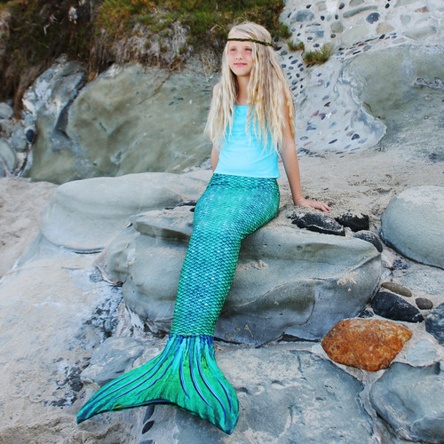 Kathys Cluttered Mind: Must Have Gift - Calling All Mermaids and Sharks