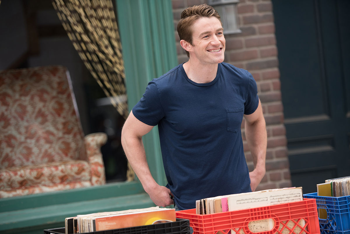 Robert Buckley en el episodio Matchmaker de Dimension 404