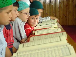 Daftar Perguruan Tinggi yang Menyediakan Beasiswa Penghafal Al-Quran