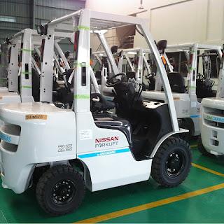 Xe nâng diesel Nissan Unicarriers.