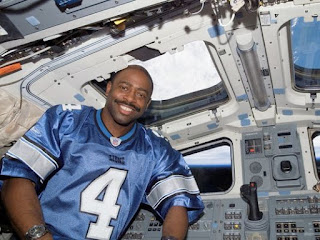 Leland Melvin in Space
