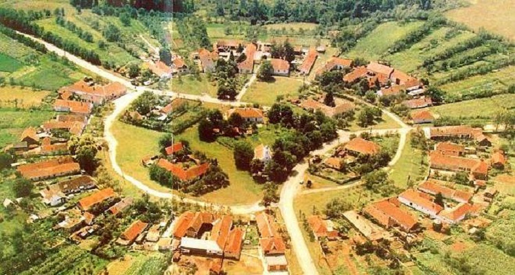 Satul rotund din Romania Charlottenburg