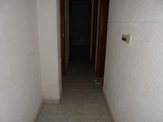 piso en venta calle montornes castellon pasillo