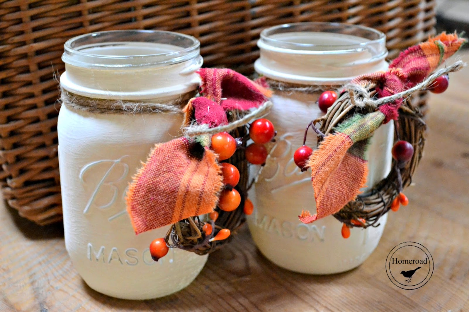 fall-painted-mason-jars www.homeroad.net