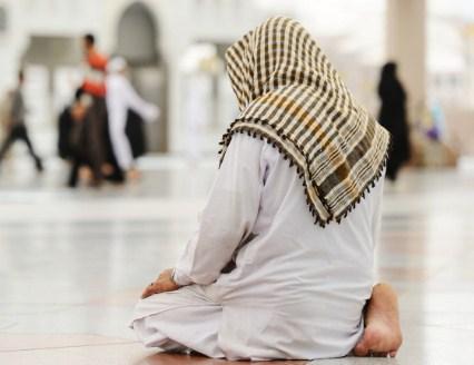 Bacaan Sebelum Salam Dalam Sholat Setelah Tahiyat Akhir