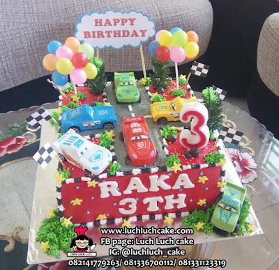 Kue Tarat Ulang Tahun Mobil Cars Mcqueen
