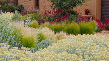 Jardín patio en Toledo: Ancha es Castilla