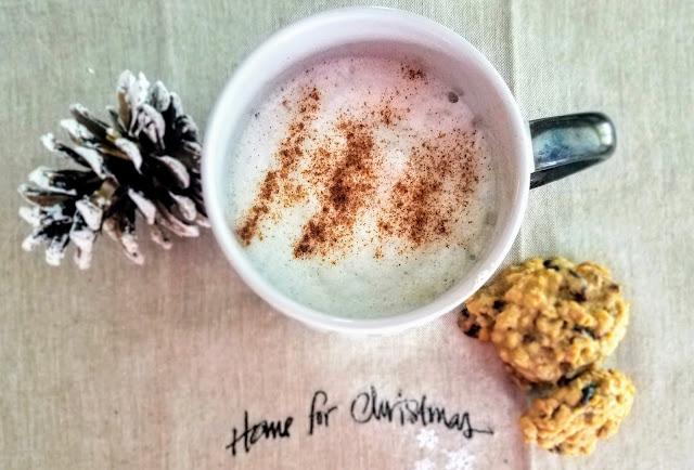 Homemade Chai Tea Latte - You'll love the blend of spices in this homemade chai tea latte www.ashleyspaige.com