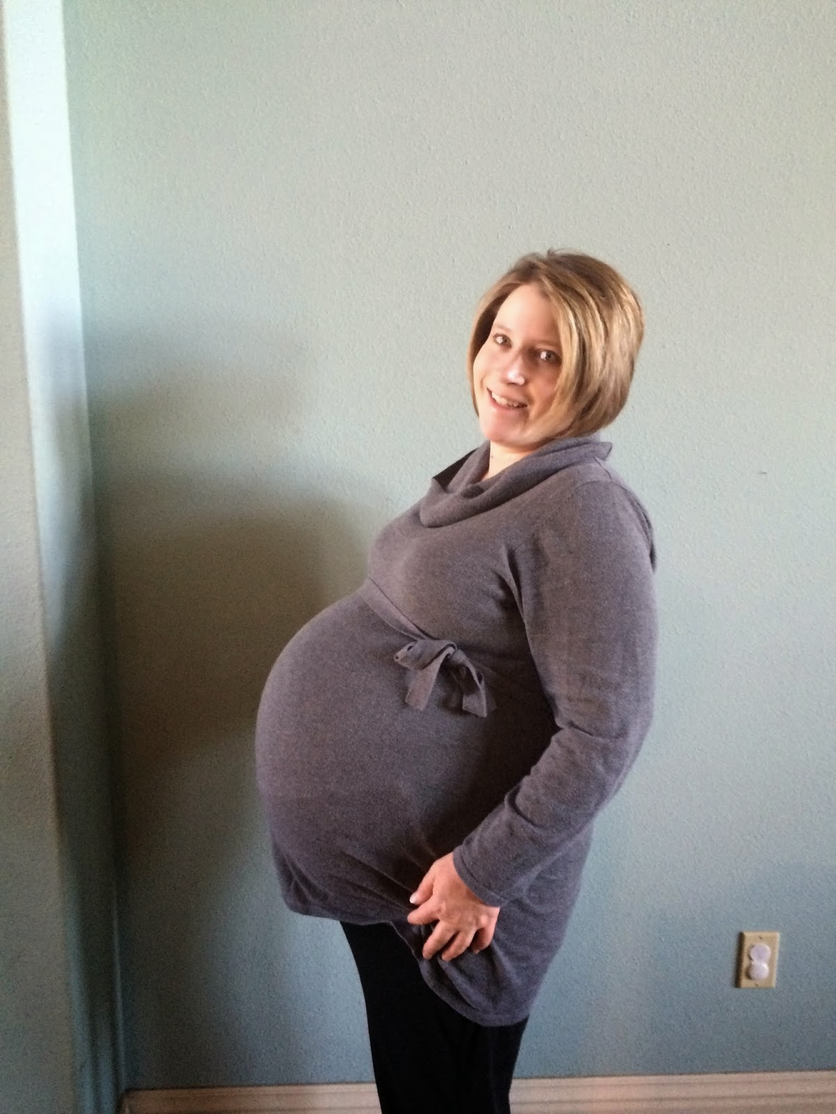 Baby Born At 25 Weeks: TWINS : End Of Pregnancy Pictures @ 35 Weeks