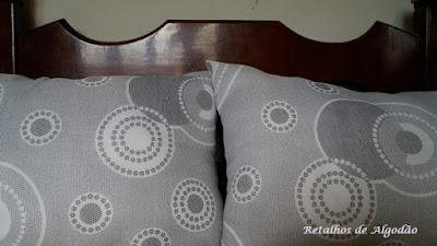 Novos Travesseiros feitos reaproveitando as capas dos travesseiros antigos