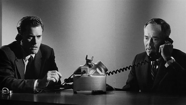 Larry Hagman and Henry Fonda in Fail-Safe