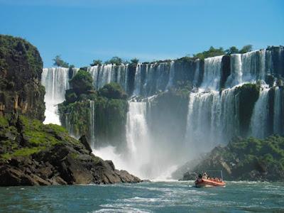 Air Terjun Iguazu terbesar pada global