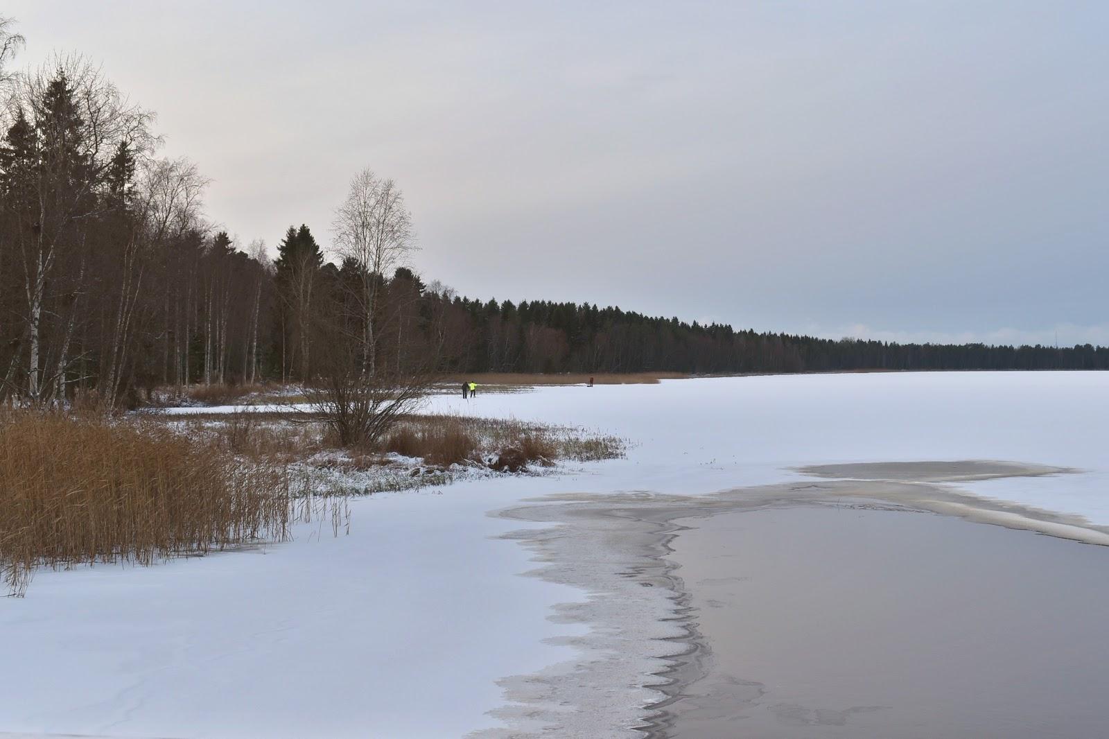 lago congelado, finlandia, inverno
