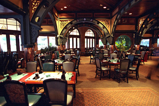 Interior do restaurante Lombard's na Universal Studios